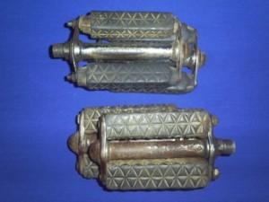 karet-pedal-tua