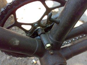 Konstruksi atas braket
