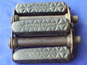 pedal union