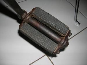 pedal200