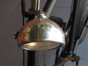 Lampu depan F.G ( Fongers Groningen )